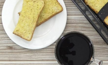 Turn Bread into Bread Crackers – No Food Goes to Waste