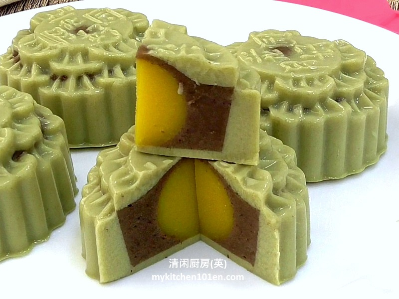 Matcha (Japanese Green Tea) Red Bean Agar-Agar Jelly Mooncakes