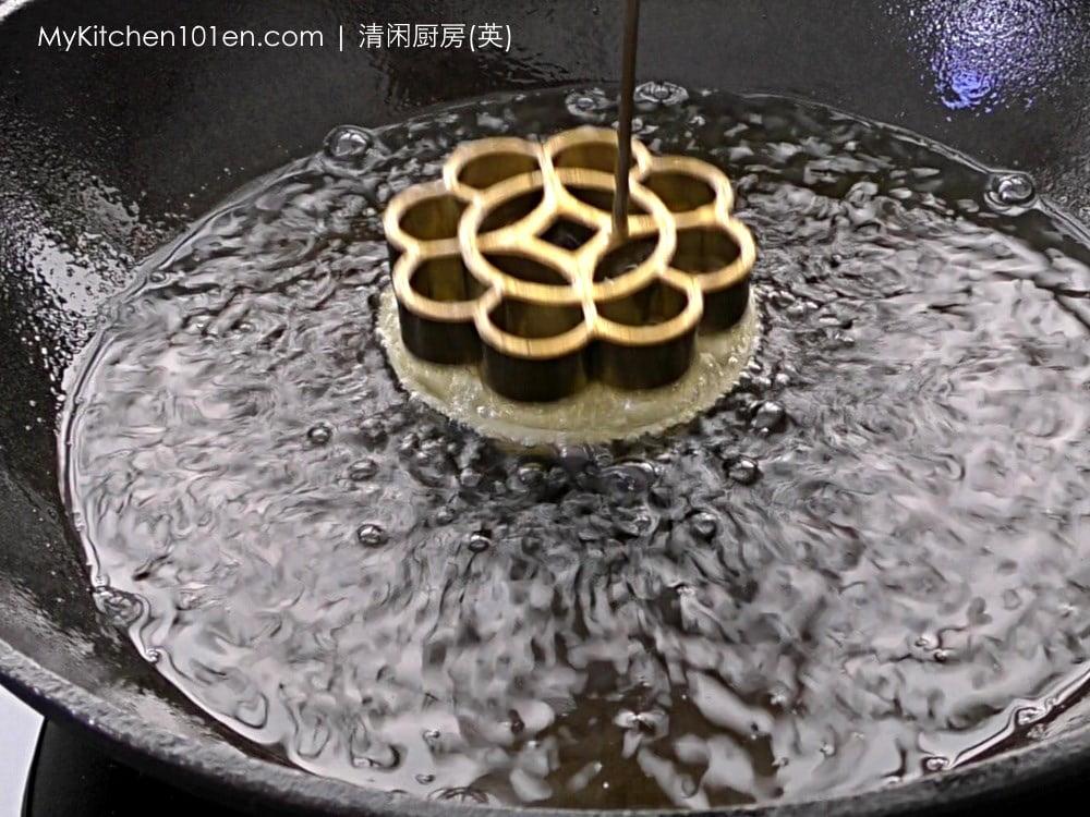 Honeycomb Cookies (Kuih Loyang, Rosette Cookies)